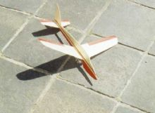 Jetex Arrow model glider kit profile semi scale balsa plane jet-x jetex engines rapier hand launch